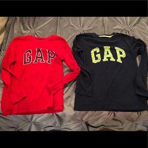 2 boys gap shirts size 8/9